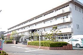 小山市立城南中学校(約960m:徒歩12分)