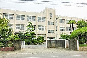 宮田中学校 (約900m:徒歩12分)