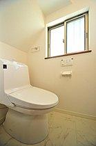 トイレもLIXIL製のシャワートイレを標準搭載!