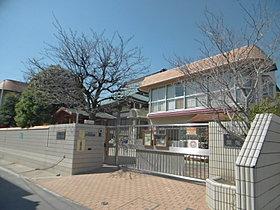 穂積幼稚園まで116m 【徒歩約2分】