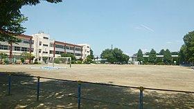 ■朝霞市立第三小学校 -約431m(徒歩5.3分)