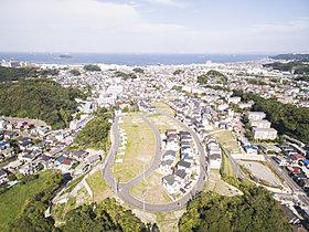 海と空の美しさを抱く横須賀・駅徒歩圏の「山の手」の邸宅街