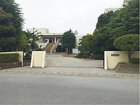 上沖小学校…徒歩3分(190m)