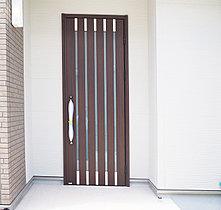 ドアの例。(写真は弊社同仕様物件2016.06撮影)