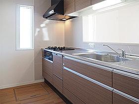 キッチンの例。パネルカラーが選べます。(写真は同仕様物件)