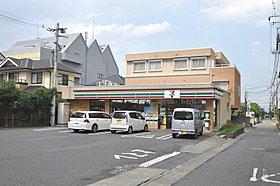 セブンイレブン狭山店