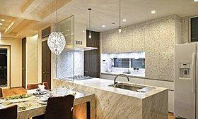 日常の作業を華やかに彩る質感高い天然大理石オリジナルキッチン