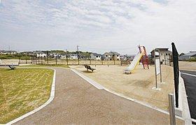 住宅地内には大きな公園が2ヶ所!