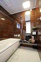 ミストサウナ付カワック標準・魔法瓶浴槽完備のバスルーム