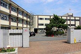 平野小学校まで1660m。
