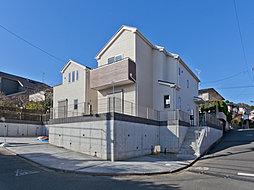 新金額 敷地はゆとりの56坪 お車2台駐車可能 多摩市桜ヶ丘2...
