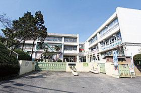 三井小学校350m(徒歩4分)
