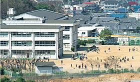 「東小学校」も街に近接しているので通学も便利です