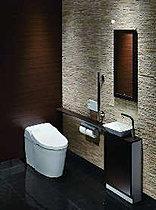 スマートに使えるタンクレストイレ。