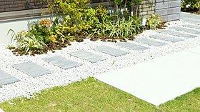 外構規定のある、植栽・外構を整えたきれいな街並み
