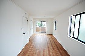 将来は2部屋に変更可能な洋室!
