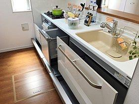 キッチンには、使いやすさを考えた収納がたくさんあります!