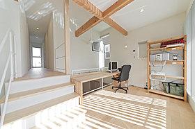 内観施工例 自然素材を使用した温かみのある内装です