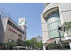「武蔵境」駅前のイトーヨーカドー武蔵境店。
