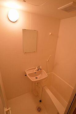 アパート-横浜市西区久保町 コンパクトでお手入れし易いバスルーム