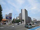 美野島交差点の角地です。