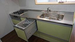 奥様には嬉しい食洗機付きキッチン