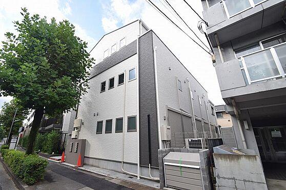 アパート-小金井市本町5丁目 ツートンカラーが目を惹く外観