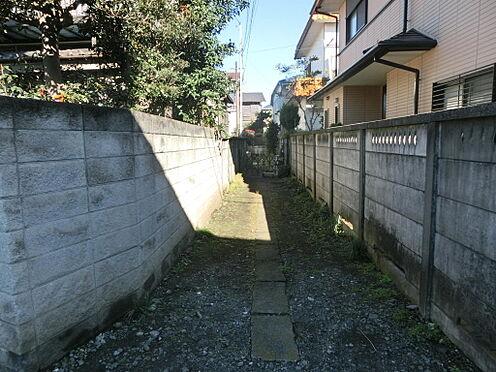 土地-西東京市柳沢5丁目 前面道路からの通路部分