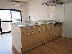 リフォームにて新品交換済のキッチン。