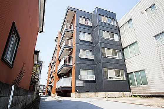 マンション(建物全部)-高岡市丸の内 外観