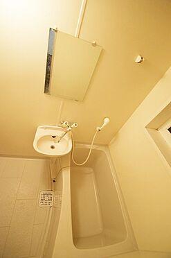 マンション(建物全部)-葛飾区奥戸1丁目 清潔感のある浴室。
