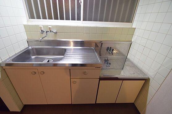 マンション(建物全部)-葛飾区奥戸1丁目 シンクスペースが広く使いやすいキッチン。