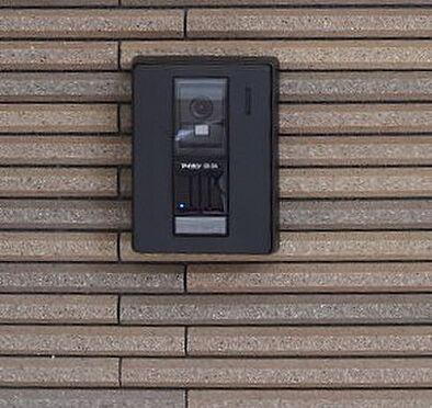 アパート-新宿区若葉1丁目 訪問者が確認できて安心なモニターホン。