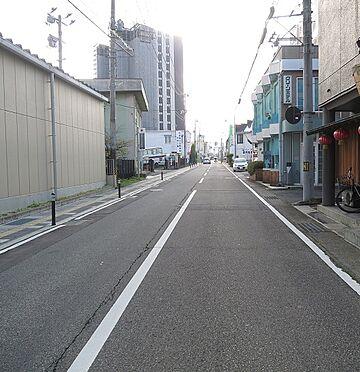 マンション(建物一部)-会津若松市中央3丁目 前面道路です