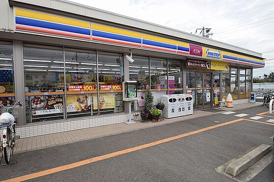 アパート-千葉市花見川区千種町 深夜の買物にも便利なコンビニまで徒歩3分。