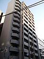 SRC造13階建てのひと際存在感のある外観