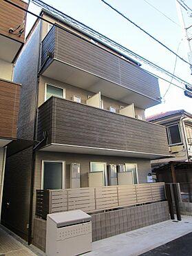 アパート-大田区大森北3丁目 シックな色合いで落ち着いた雰囲気の外観