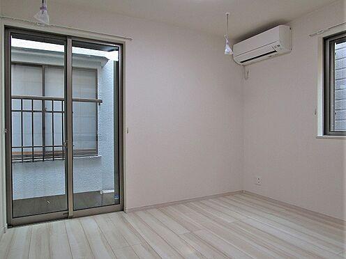 アパート-葛飾区堀切2丁目 白を基調とした清潔感のある室内。