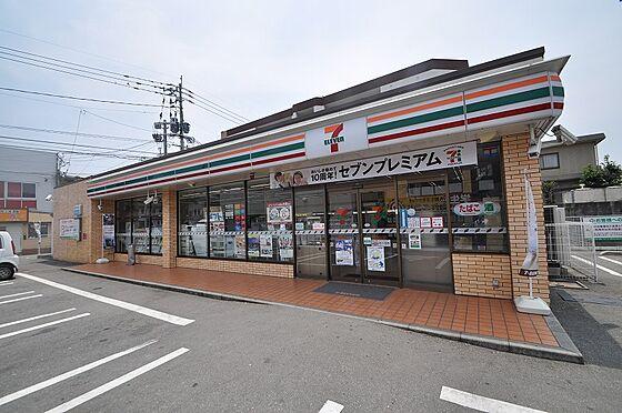 ビル(建物全部)-福岡市東区香住ケ丘2丁目 目の前には急な買い物にも対応できるコンビニ有