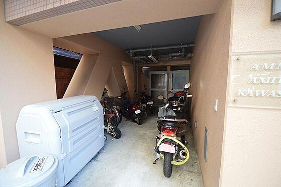 マンション(建物全部)-川崎市川崎区南町 大型バイクも置ける広いスペース