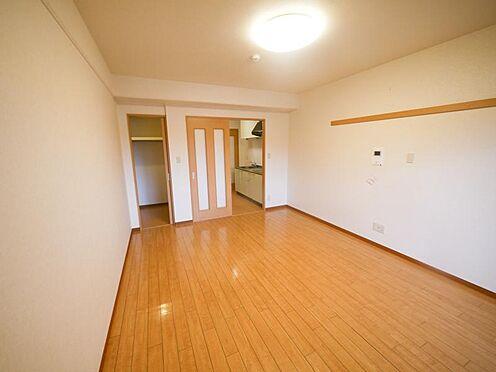 マンション(建物全部)-東広島市高屋町杵原 床フロアーはジャッキを敷き詰めた床根太工法