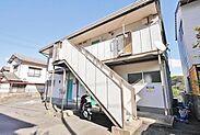 都市高速黒崎インターそば、黒崎イオンや黒崎の商店街も近く、生活環境の良い立地です。