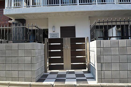 マンション(建物全部)-川崎市川崎区小川町 外部からの目線を遮るメインエントランス