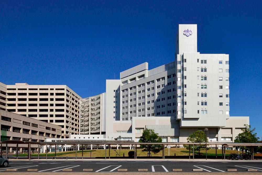筑波大学附属病院 約1,820m(徒歩23分)