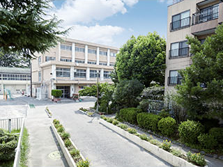 市立三ツ沢小学校 約220m(徒歩3分)