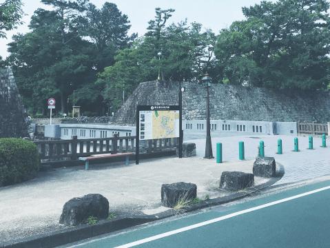駿府城公園 約1,200m(徒歩15分)