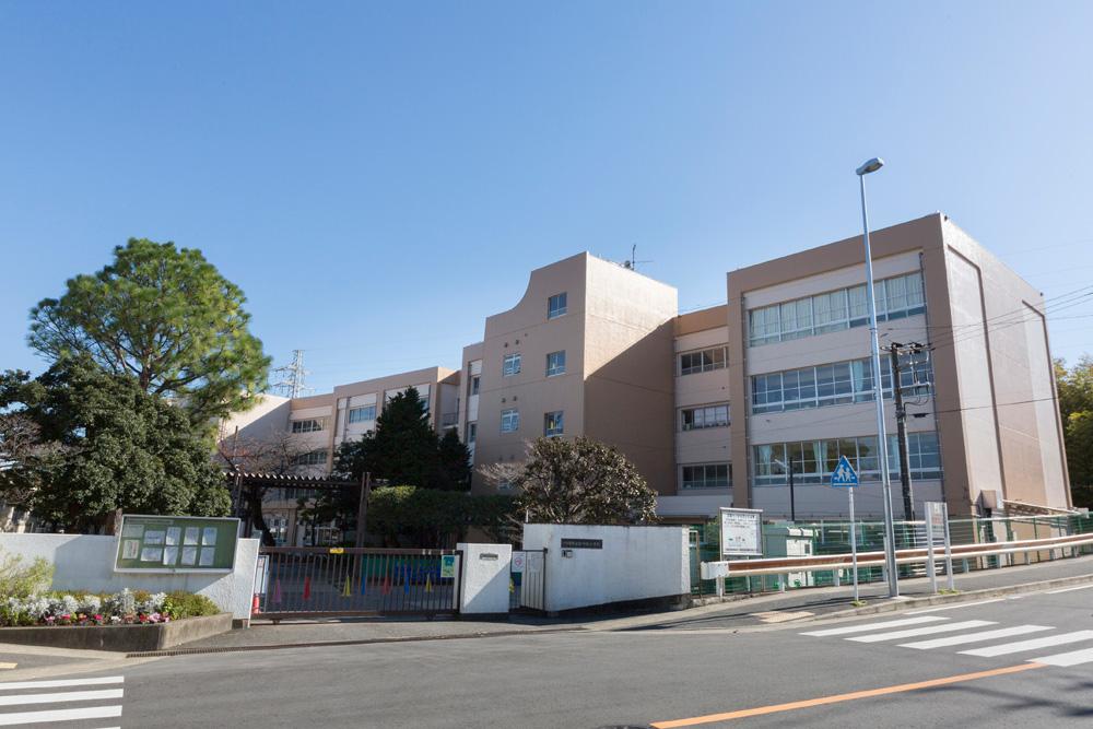 市立宮崎台小学校 約500m(徒歩7分)