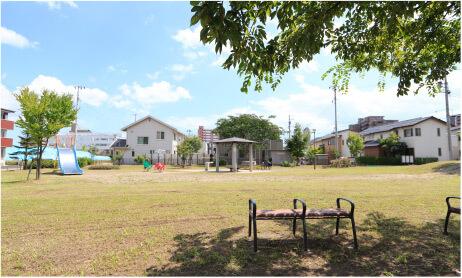 あすと長町三丁目公園(2019年8月撮影) 約160m(徒歩2分)