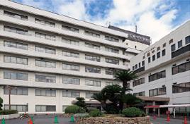 近畿中央病院 約1,340m(徒歩17分)