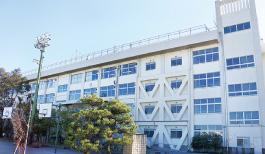 高谷中学校 約1,398m(徒歩18分)
